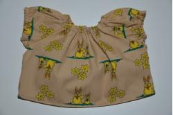 Nougat farvet bluse med retro påskeharer