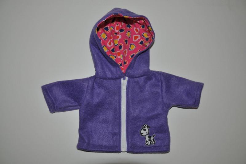 Lilla jakke med giraf