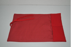 Rød pusletæppe