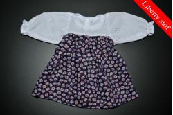 Mørk lilla kjole med blomster (Liberty stof)