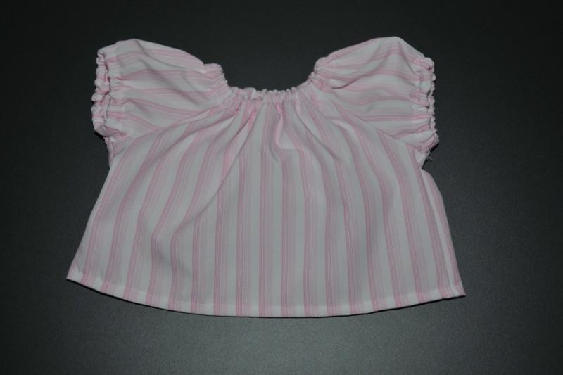 Hvid bluse med lyserøde striber