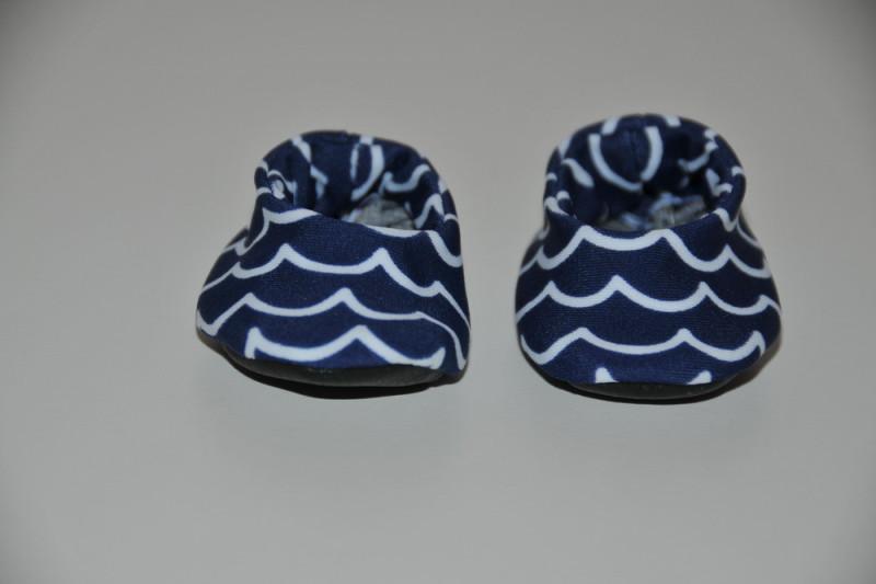 Strandsko med bølger