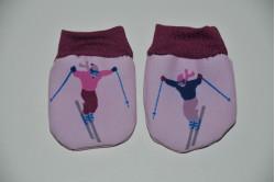 Rosa dukkevanter med  skiløber