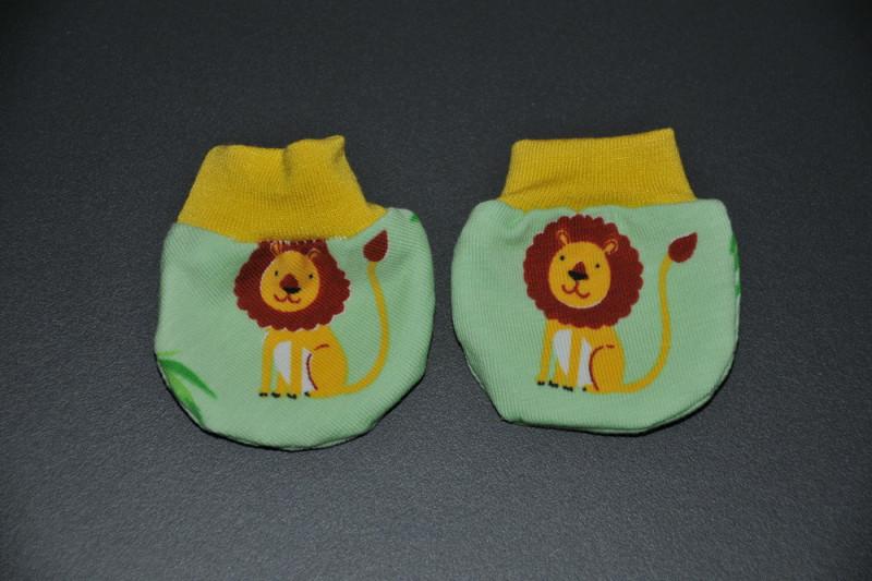 Lysegrønne dukkevanter med løver
